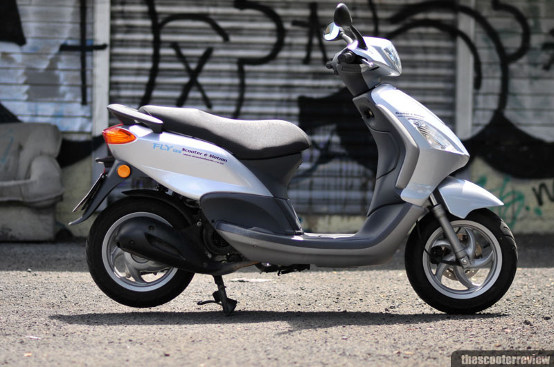 Piaggio Fly 125 - The Scooter Review